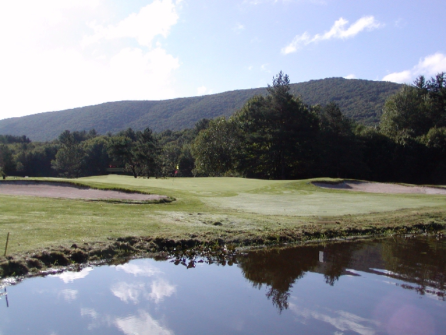 Pocono Mountains-golf course